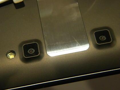 LG Optimus Pad 3D camera