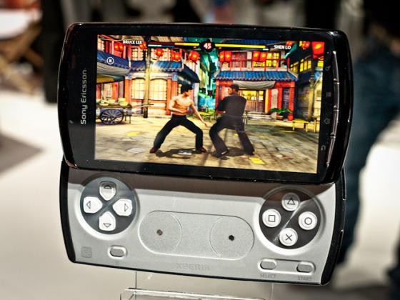 Sony Ericsson Xperia Play Bruce Lee game
