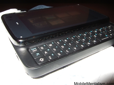 Nokia N900 showing keyboard